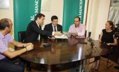 Acuerdo y Firma  Caja Rural  CLM